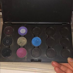 Pre owned Mac pallet with 7 authentic shadows!